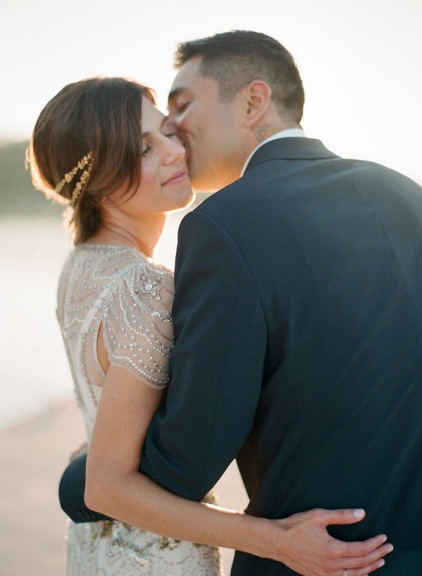 XAkaNAiUFDw - Романтическая свадьба на берегу озера (26 фото)