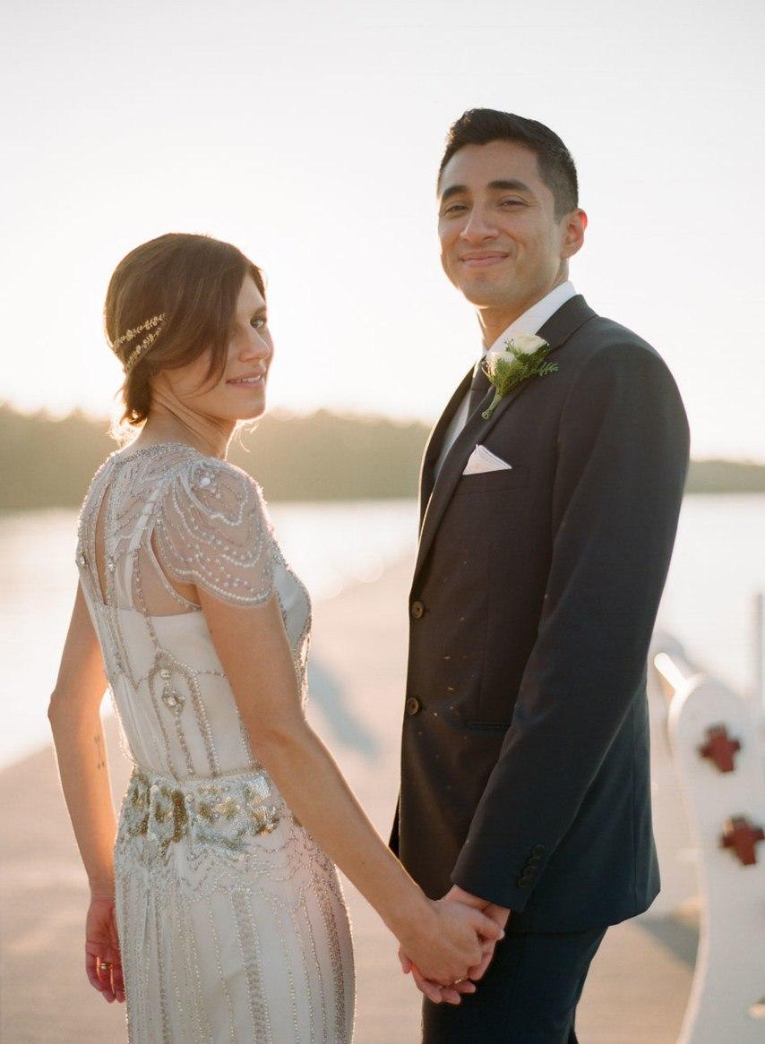 ixnK2FcDAko - Романтическая свадьба на берегу озера (26 фото)