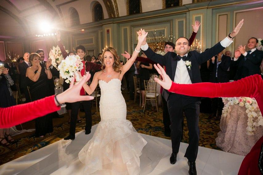 oq6jLED0d4A - Раффи и Анжела. Свадьба в стиле Гламур. (26 фото)