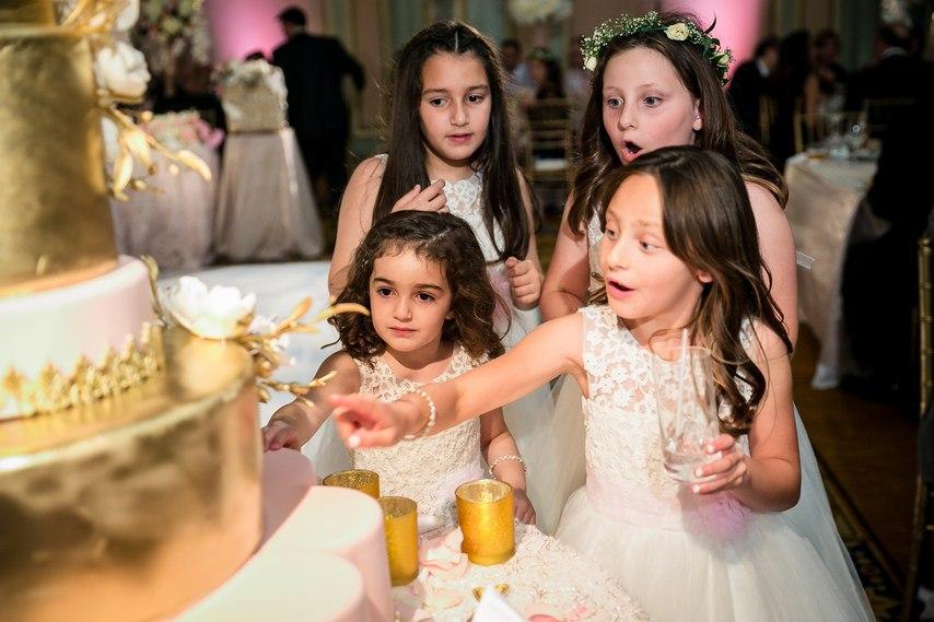 1SRCYIH7bE4 - Раффи и Анжела. Свадьба в стиле Гламур. (26 фото)