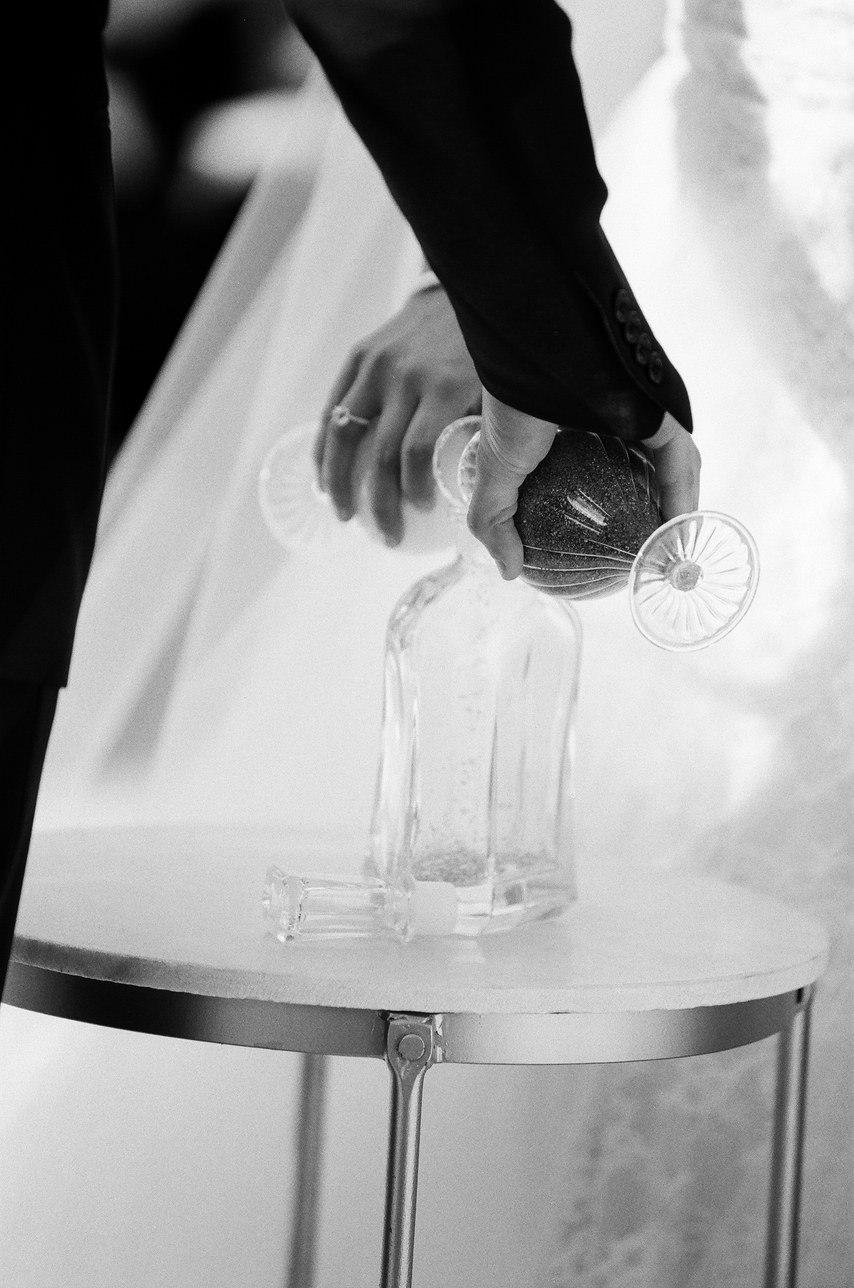 Всепоглощающая сила любви. Истории молодоженов со всего мира. Сайт о свадебных традициях, обычаях. Сайт-визитка ведущего на свадьбу Волгограда Павла Июльского. +7(937)-727-25-75 и +7(937)-555-20-20