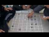 Вот как надо играть в шашки. )))