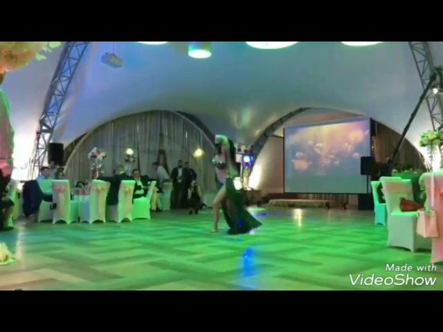 Танец со змеей на свадьбе Удав Hot Snake Dance Belly Dance Show on Wedding Snakecharmer