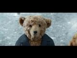 Рождественский ролик о путешествии пожилой пары плюшевых медведей