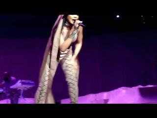 Rihanna - Consideration (Philips Arena, Atlanta, 18.05.2016)