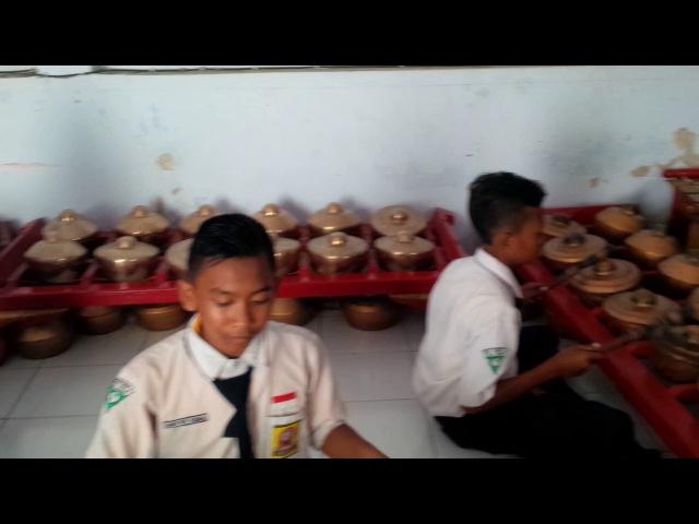 Lc. Makarya Pl. B, kls.7F, Sanggar Dwija Laras SMPN 6 Kediri