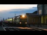 2М62У-0330 с пассажирским поездом Киев - Рахов отправляется со ст. Коломыя