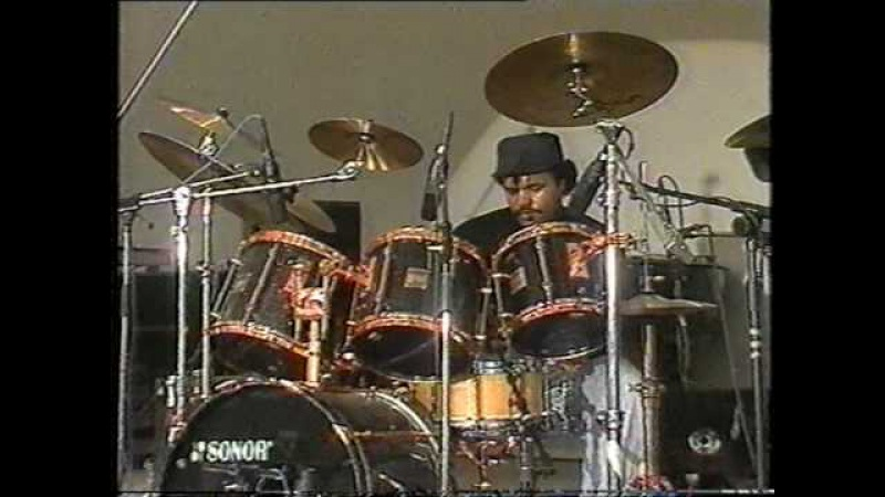 DENNIS CHAMBERS Solo - Wiesen 1990 - Sonor Drums