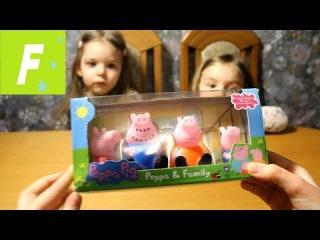 Открываем коробку с игрушками Пеппа и Семья (Open toy box Peppa and Family)