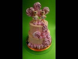 Кремовий тортик з ведмедиками та бізешками;)