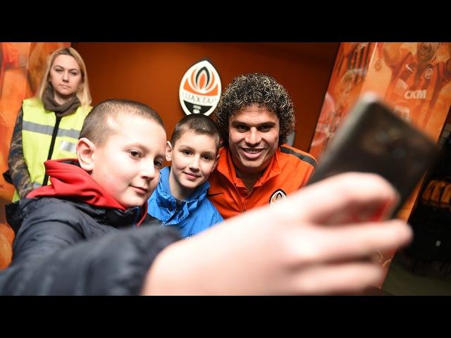 500 болельщиков посетили автограф-сессию с Марсио