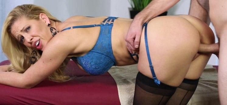 Делая массаж женщине захотелось трахаться