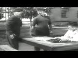 Савелий Крамаров в роли хулигана Васьки Ржавого