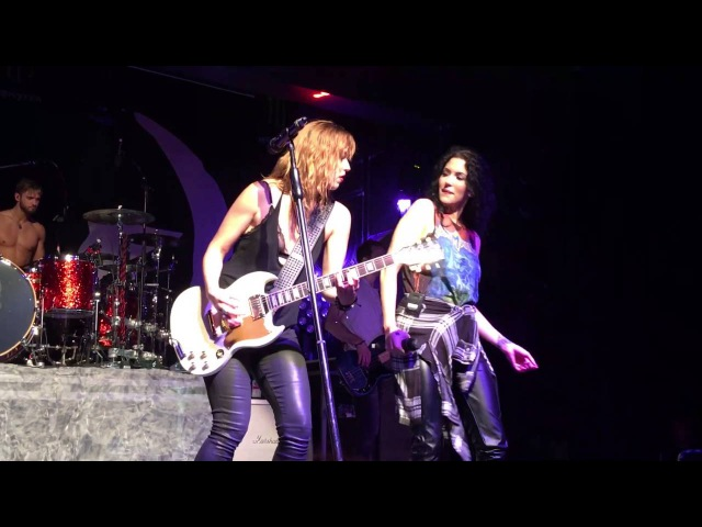 HALESTORM (with special guest, Dorothy) - I Just Wanna Make Love to You
