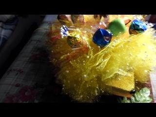 800 руб.Ежик желтый с конфетами.