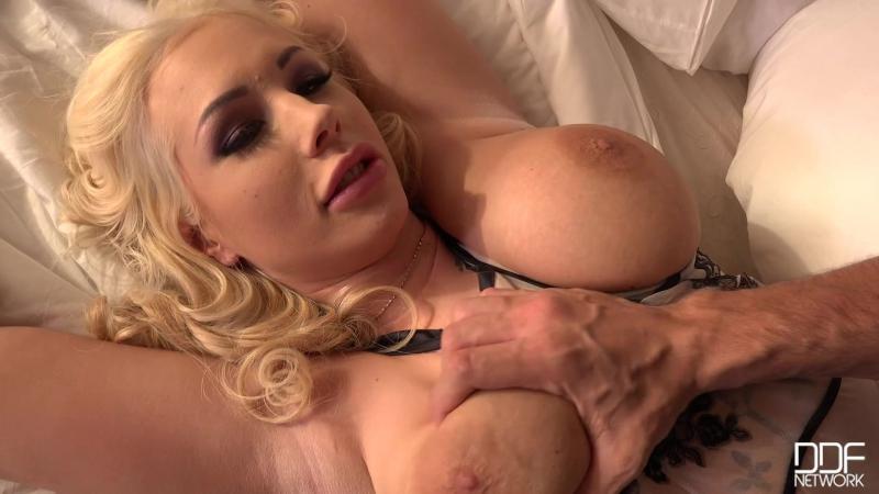 curvy blond seks