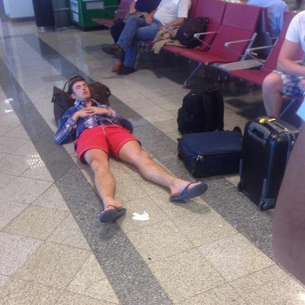 Когда пора лететь домой, а ты ещё не отдохнул 😆