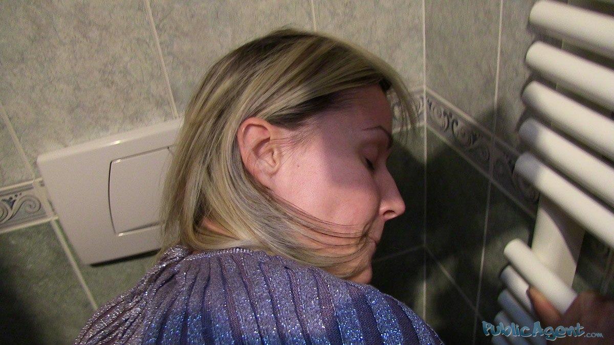 PublicAgent - Nancy (Большая грудь блондинки в сперме)