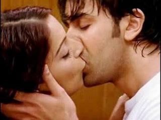 Bollywood top heroines lip lock kisses - Aishwarya rai - Katrina kaif - Deepika padukone