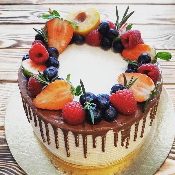 Украсить торт фруктами и ягодами своими руками фото 62
