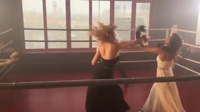 Оксана против Карины Киев днём и ночью 3 сезон  » онлайн видео ролик на XXL Порно онлайн