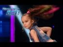 Красивая 6-летняя девочка танцует зажигательный хип-хоп - Танцуют все!