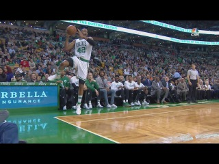Al Horford Saves to Jae Crowder | Knicks vs Celtics | January 18, 2017 | 2016-17 NBA Season