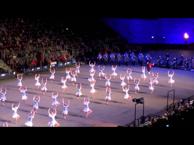 Royal Edinburgh Military Tattoo Highland Dancers 2014 The Gael - Last Mohican