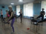 Фитнес со стульями!Обычно одна из энергозатратных и тяжелых тренировок!