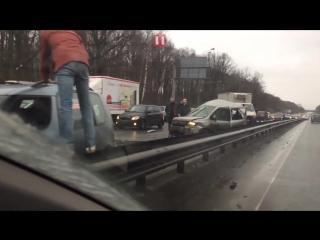 В Москве столкнулись восемь автомобилей