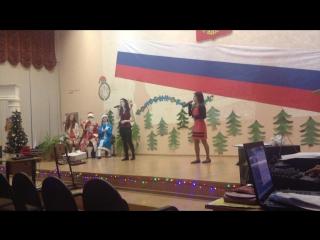 Поют девченки, Даша и Настя