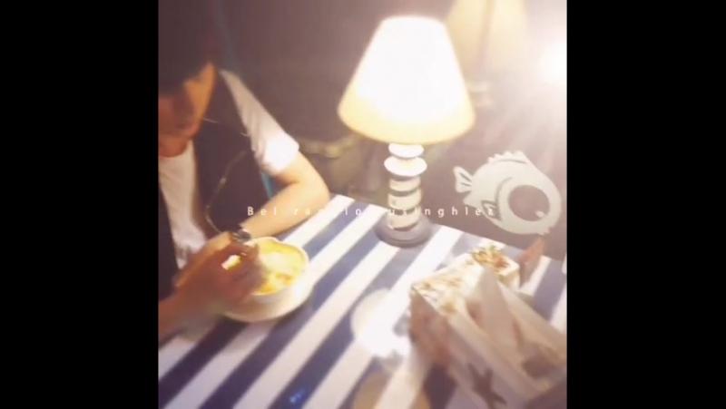 2014-09-07 23:30 牙尖甜品店— 外景取景—我可没有偷懒哦.....是黑天咖啡屋 的拍摄中.......