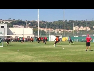 WATCH: Balotelli scores first goal in Nice training