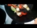 стриплойн стейк на подушке из салата с теплыми овощами часть1