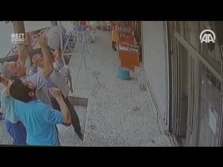 Ребенок, балкон и норм мужики