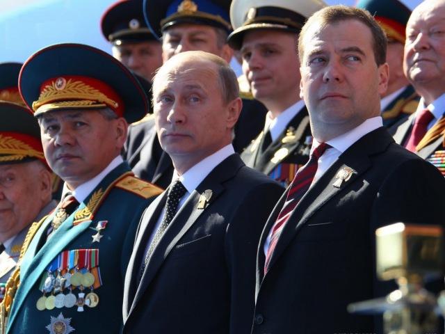Поздравление Путина и Медведева с Днем Победы (стих)