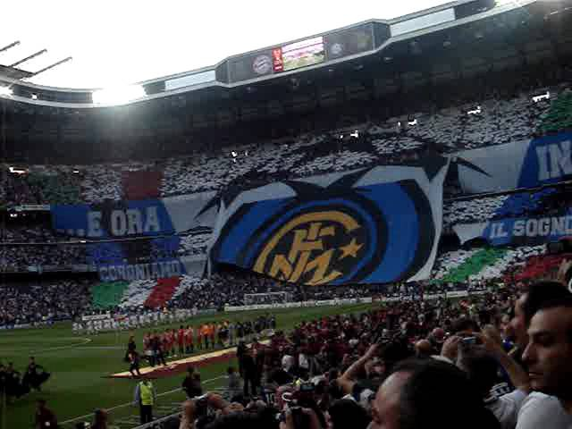 COREOGRAFIA INTER TIFOSI FANS UEFA CHAMPIONS LEAGUE FINAL 2010 MADRID