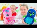 Подарки для девочек на НОВЫЙ ГОД! Ксюша и Алиса распаковывают подарки! Видео для ...