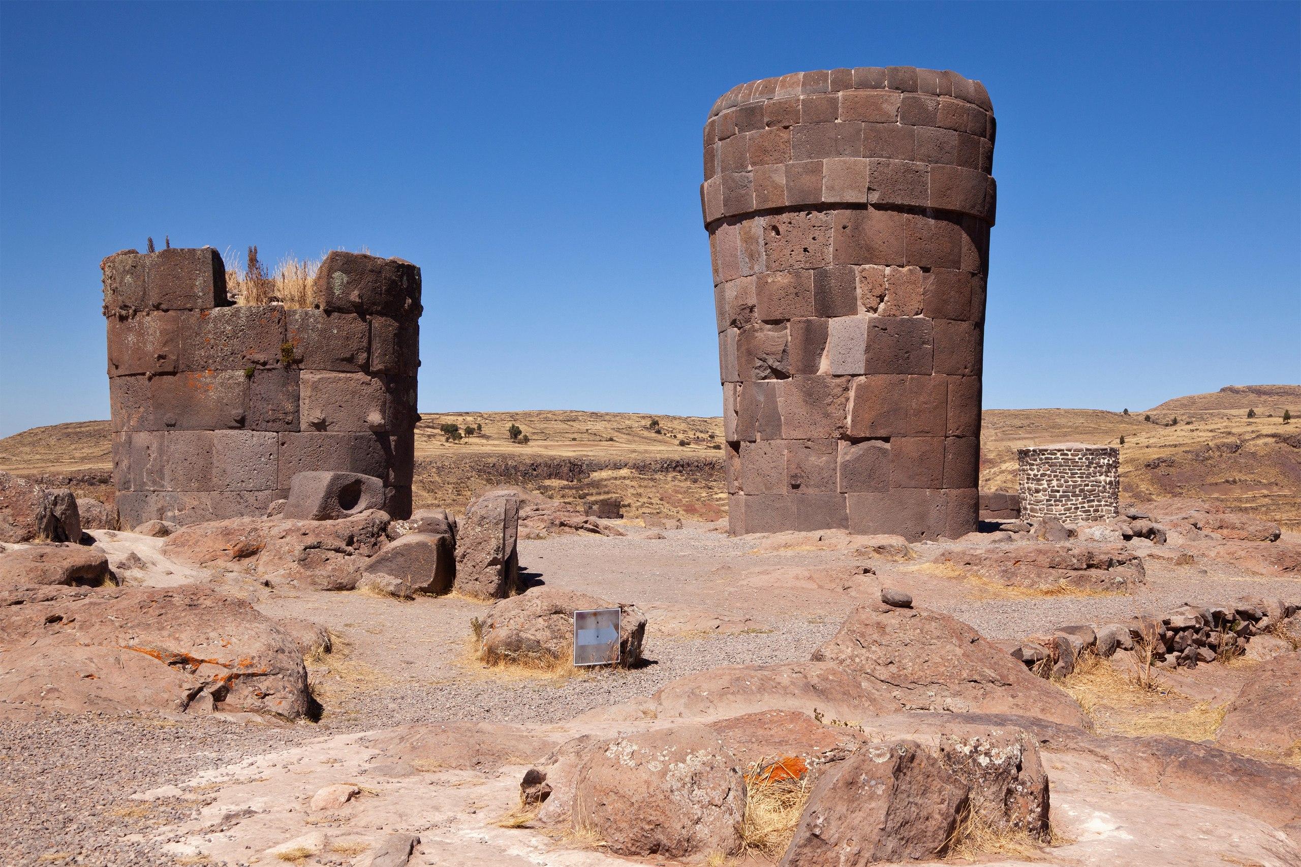 башни инков  в Перу