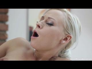 Секс сисястая секретарша трахаеться с боссом видео hd