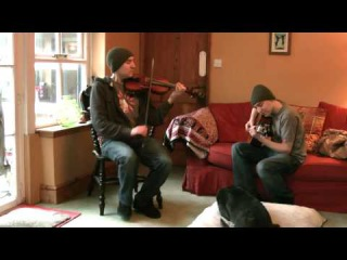 Irish fiddle reels on fiddle and guitar