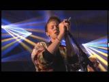 New Order featuring La Roux - Tutti Frutti)