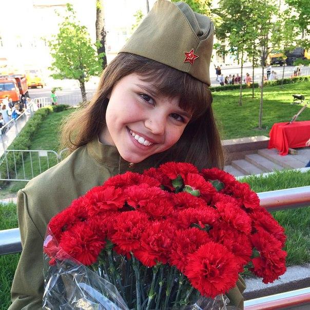 Katya Maneshina PnAONRlTm7E