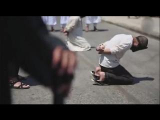 Зверские издевательства ИГИЛ над геем попали на видео 18