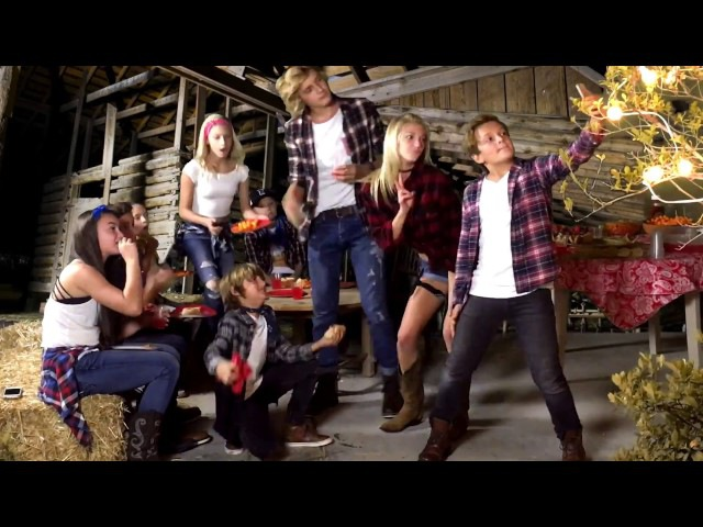Barn Dancing Pumpkin Carving | G's and the Girls
