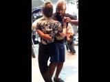 Kizomba na rua Paris (Kalumba - yuri da cunha ft Paulo flores)