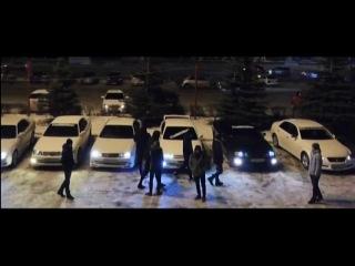 Гонщики на Toyota Chaser показали ночной дрифт в центре Красноярска