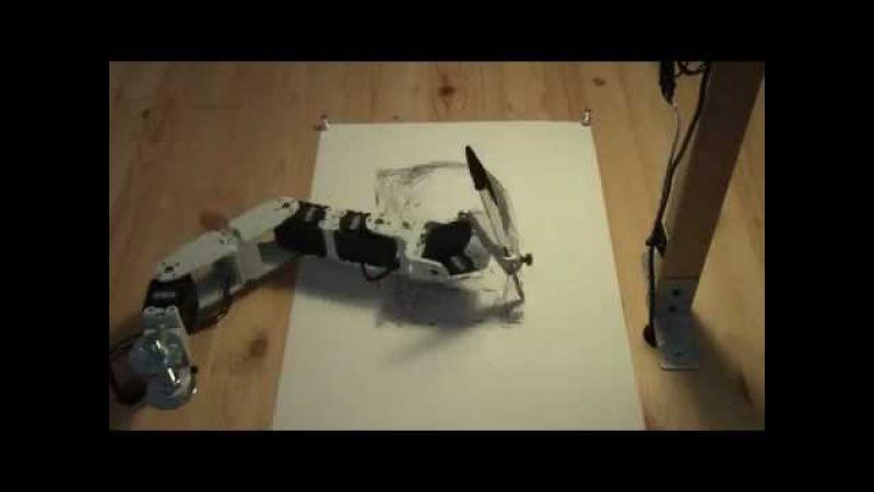Робот рисует портрет как настоящий художник/Robot draws a portrait of a man as a real artist