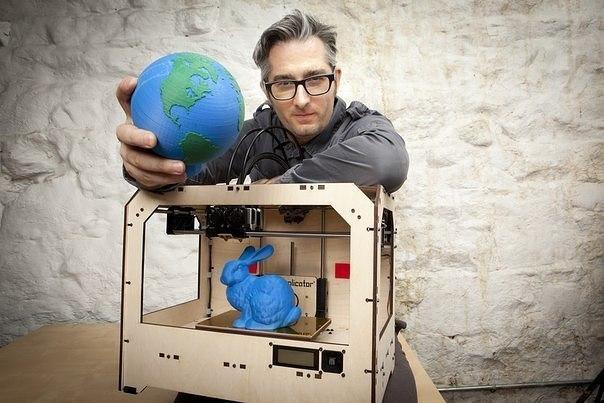 Bre Pettis (Бри Петти), основатель Makerbot, компании производителя эк