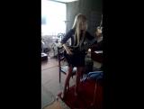играю на бас гитаре
